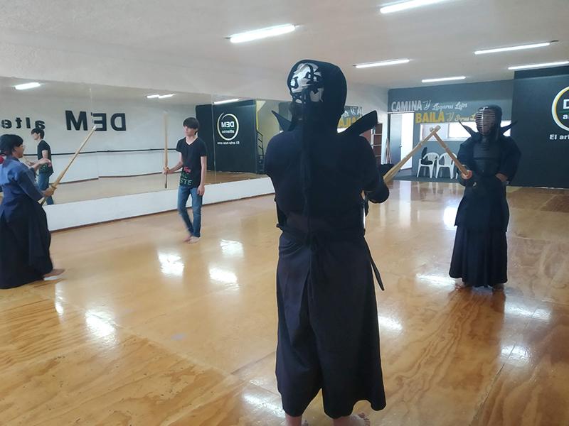 kendo_iaido_jodo_kenjutsu_katana_japon_samurai_arte_marcial_esgrima_japones_espada_katana_guadalajara_gdl_jalisco_mexico_jodo_kendo_guadalajara_iaido_guadalajara_jodo_guadalajara_kendo_jalisco-2